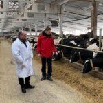 Борис Шемякин посетил крупные молочные комплексы в Рыбновском районе